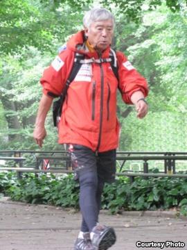 Юичиро Миура (Yuichiro Miura) в Токио, 2013 год. Тренировки перед восхождением на Эверест