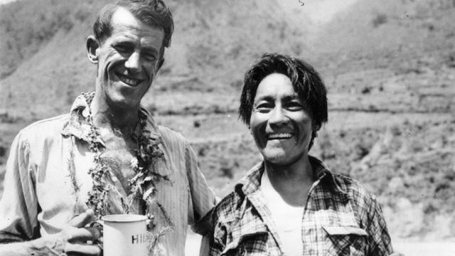 Эдмунд Хиллари (Edmund Hillary) и Тенцинг Норгей (Tenzing Norgay), после восхождения на Эверест