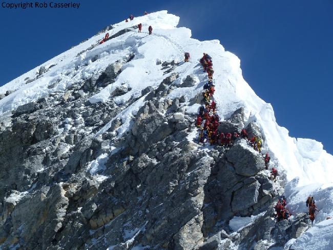 затор на Ступени Хиллари на Эвересте