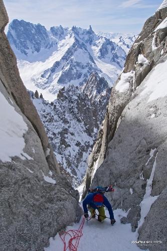 Восхождение на Эгиюй Верт (Naia-Aiguille Verte, 4122 м) с видом Северную стену Гран Жорасс