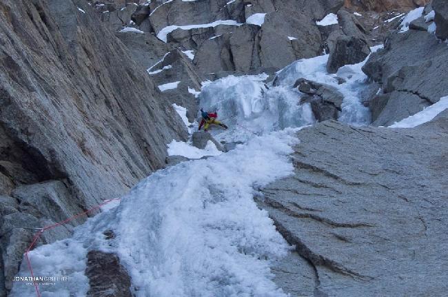 Восхождение на Эгиюй Верт (Naia-Aiguille Verte, 4122 м). Первая тяжелая веревка