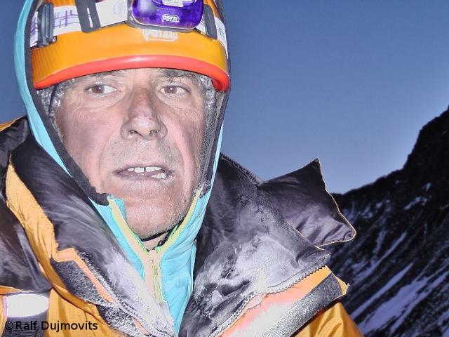 Ральф Дуймовиц (Ralf Dujmovits) на Южном седле Эвереста в 2012 году
