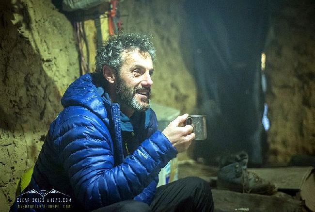 Эмилио Превитали (Emilio Previtali) в базовом лагере Нангапарбат зимой 2014 года