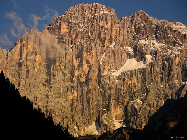 Северо-Западная стена пика Чиветта (Civetta) в регионе Pale di S.Martino