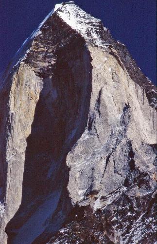 Гора Бхагиратхи III (Bhaguirathi III) Вид на Западный гребень