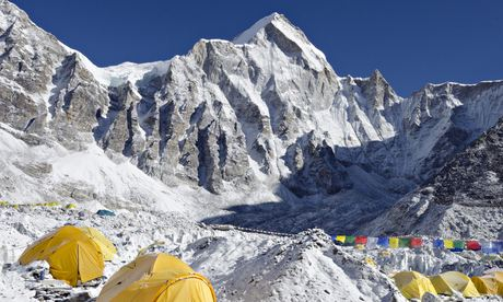 Базовый лагерь Эвереста. Отсюда шерпы вышли в свое последнее восхождение 18 апреля 2014 года