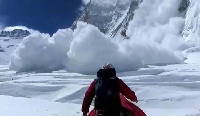Лавина на Эвересте 18 апреля 2014 года