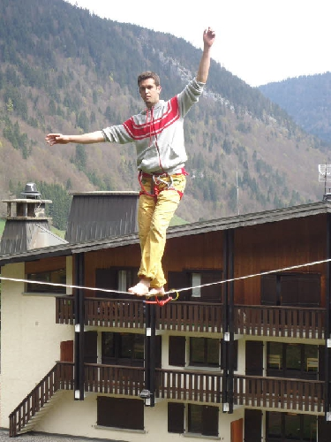 Натан Паулин (Nathan Paulin) на рекордном хайлайне длинной 142 метра