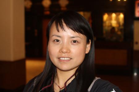 40 летняя китаянка Ван Цзин (Wang Jing)