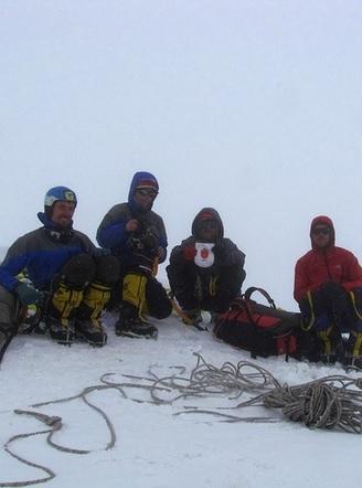 сборная команда альпклуба «Одесса» завершила первопрохождение по восточной стене вершины Лобуче Восточная (6119 м) в Гималаях