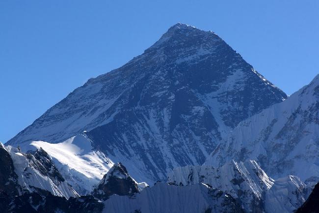 Эверест, 8850 метров. Точка съемки с высоты примерно 5400 метров