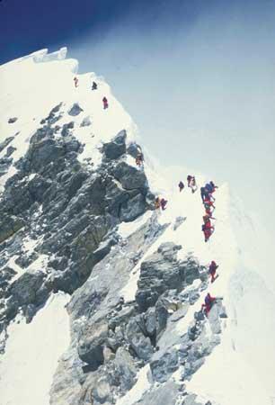 Затишье перед бурей. Эверест, Ступень Хиллари, май 1996 года. Команда Скотта Фишера