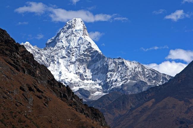 Ама Даблам, 6814 метров. Точка съемки примерно с высоты 4000 метров