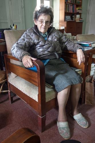 Элизабет Хоули в своей квартире в Катманду. 5 февраля 2014 года