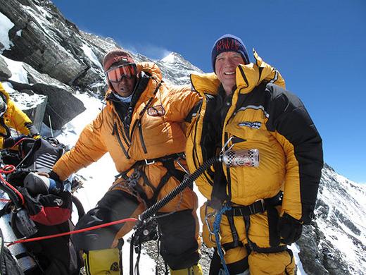 Билл Берк (Bill Burke) на Эвересте 23 мая 2009 года, в возрасте 67 лет