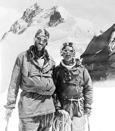 Эдмунд Хиллари (Edmund Hillary) и Тенцинг Норгей (Tenzing Norgay), 29 мая 1953 года