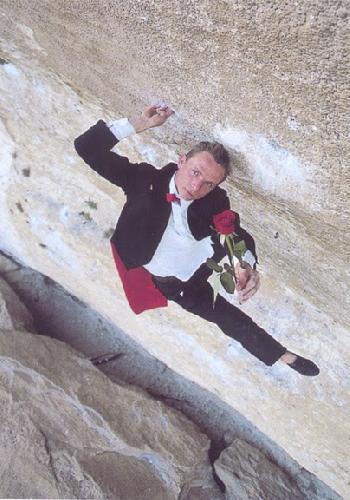 Антуан Ле Менестрель (Antoine Le Menestrel) на маршруте на La Rose et la Vampire, 8b