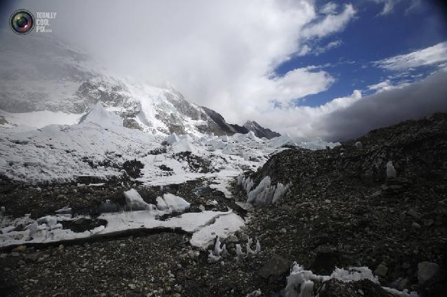 Базовый лагерь Эвереста на высоте около 5300 метров над уровнем моря в районе Кхумбу, Непал. (NAVESH CHITRAKAR/REUTERS)