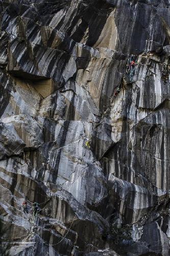 """первое прохождение сложнейшего в мире мультипитчевого маршрута """"Zembrocal"""" (140м, 8с+)"""