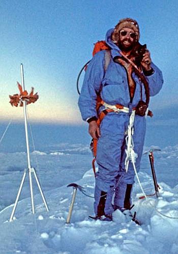 Дугал Хэстон на вершине Эвереста