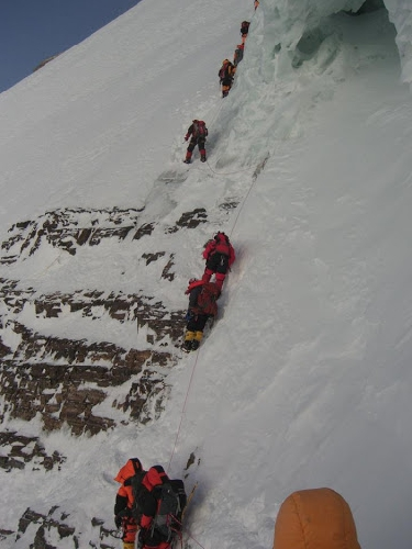Отметка 8300 метров на К2