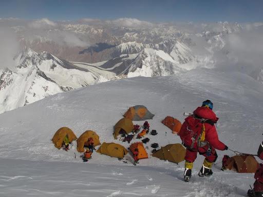 Высотный лагерь на К2 на отметке 7800 метров