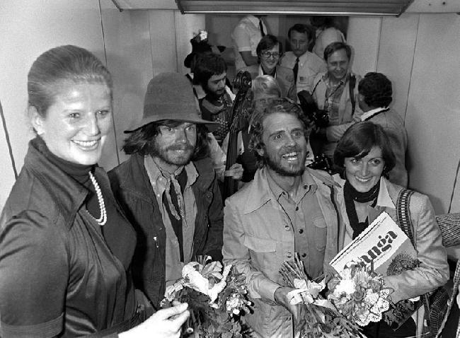 Райнхольд Месснер (Reinhold Messner) и Петер Хабелер (Peter Habeler) по возвращению с Эвереста. Мюнхен, 1978 год