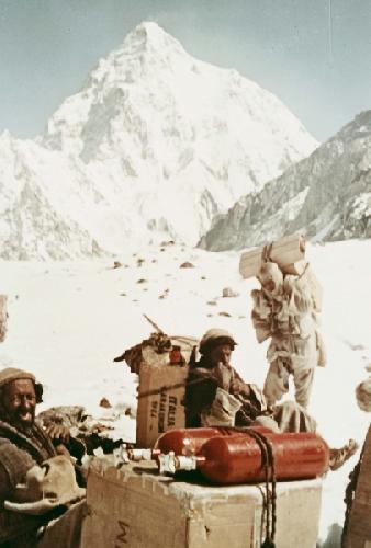 1954 рік. Італійська єкспедиція до восьмитисячника К2