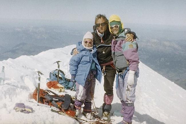 Валери Шварц (Valérie Schwartz) с своими родителями на вершине Монблана. 7 августа 1991 год