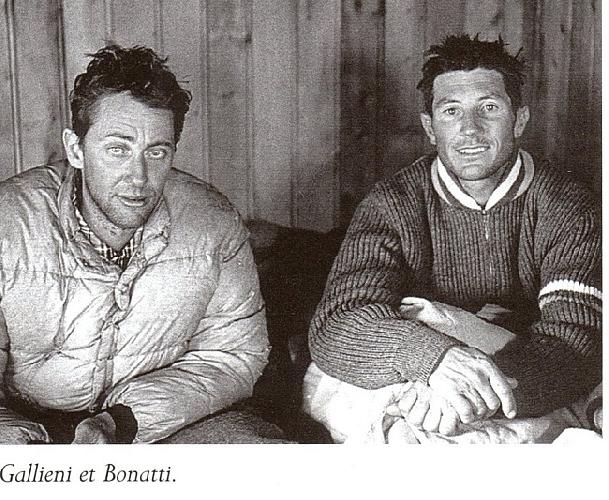 Андреа Ожиони (Andrea Oggioni) и Вальтер Бонатти (Walter Bonatti) в хижине La Fourche