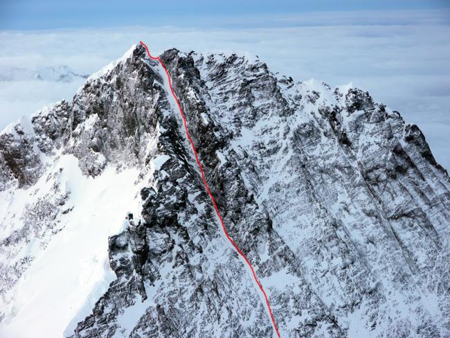 Лхоцзе. Западная стена, стандартный маршрут (West Face Normal Route). Вид на предвершинный кулуар