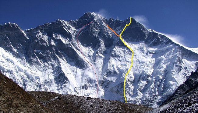 Лхоцзе, Южная стена (South Face Lhotse). Попытка польской команды подняться на Лхоцзе Главная по маршруту Чехословацкой экспедиции 1984 года (линия оранжевого цвета). Тот-же маршрут пыталась пройти французская экспедиция 1985 года