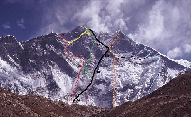 Лхоцзе. Южная стена. Планируемый маршрут корейской команды показан черным цветом