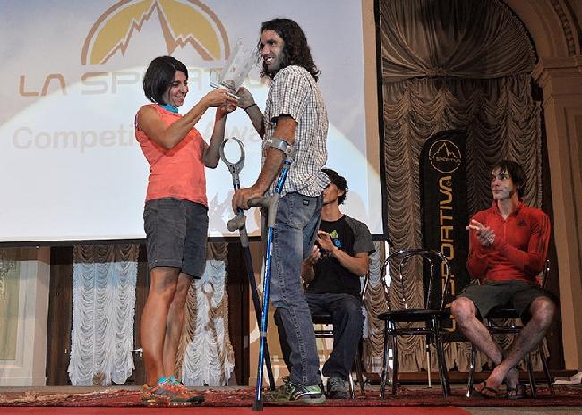 Урко Кармона Барандиаран (Urko Carmona Barandiaran) получает награду La Sportiva Competition Award 2014