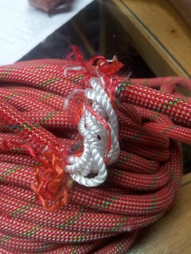 7.5 мм двойная верёвка после второго маршрута (без срывов)