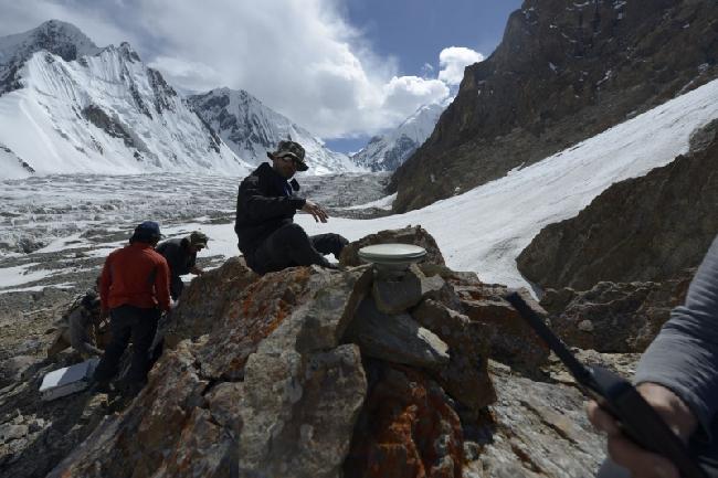 Измерение высоты с помощью Gps Leica Viva GS14 на склонах К2