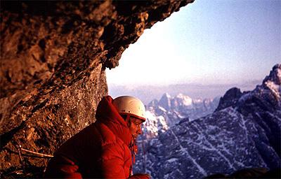 Ежи Кукучка в восхождении на Южную стену Мармолады. Зима 82/73 года