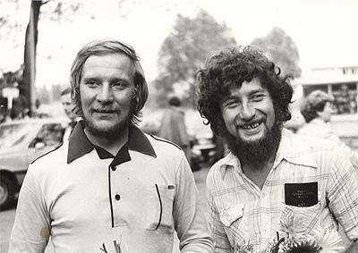 Ежи Кукучка (Jerzy Kukuczka) и Анджей Чок (Andrzej Czok) после восхождения на Эверест в 1980 году