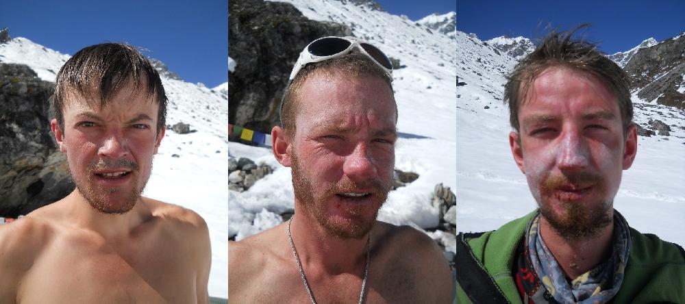 Команда после восхождения на вершину Лангшиса Ри. Слева на право: Фомин Михаил, Полежайко Вячеслав, Балабанов Никита