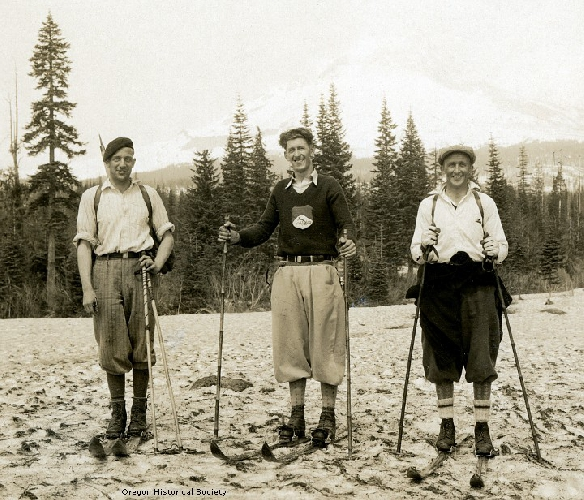 Андре Рош (André Roch), Hjalmar Hvam и Arne Stene после спуска с горы Mount Hood