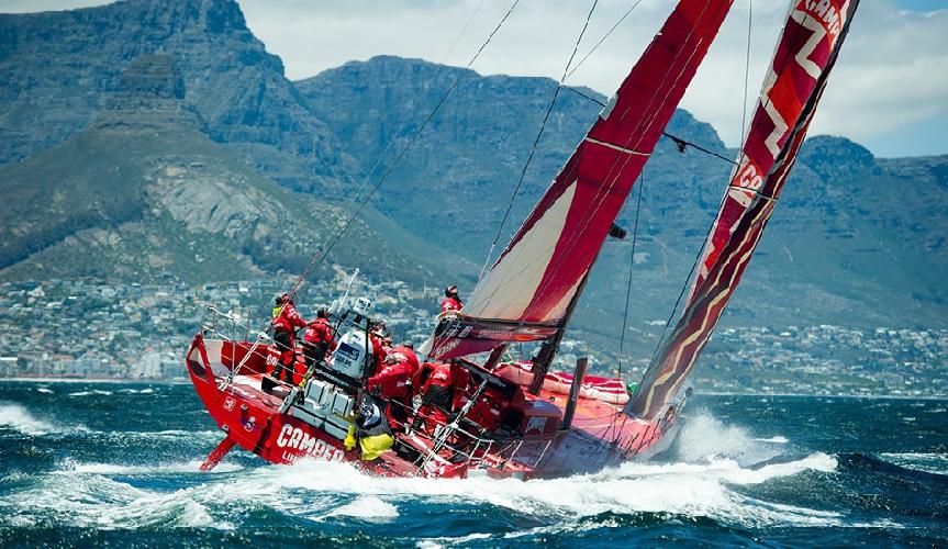 Ежегодно яхтсмены принимают участие в кругосветном «Океаническом заплыве «Вольво», преодолевая почти 40 000 морских миль и 5 океанов. В этом году 12-й по счету заплыв стартовал в Испании, а закончился в Швеции 9 месяцев спустя.