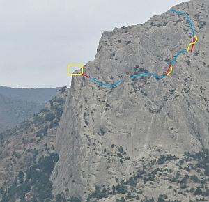 С Крымской горы Сокол впервые прыгнули бэйс-джамперы