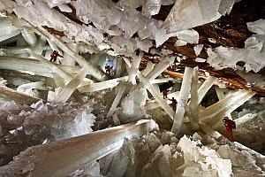 Фото дня: Пещера огромных кристаллов