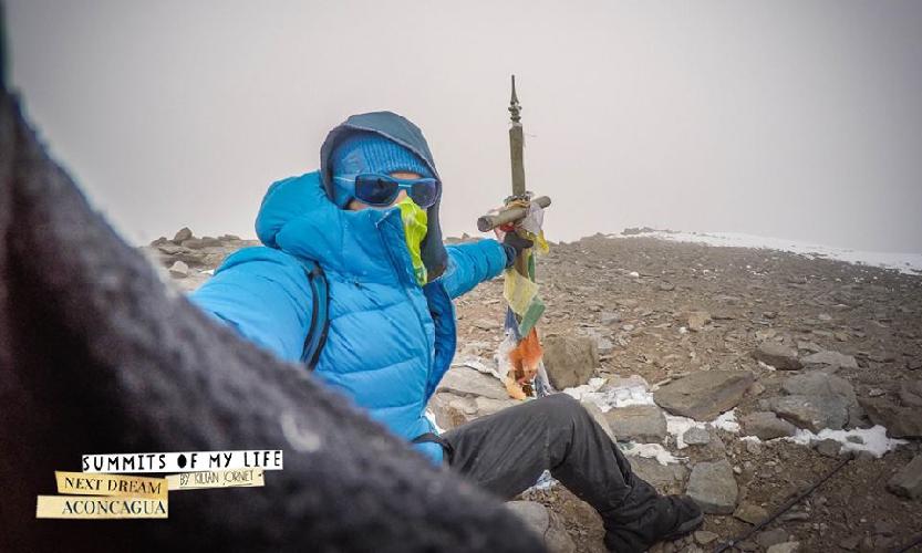 Килиан Джорнет Бургада (Kilian Jornet Burgada) на вершине Аконкагуа 15 декабря 2014 года во время акклиматизационного восхождения