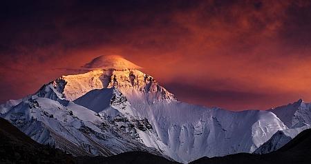 Сколько стоит восхождение на Эверест (в ценах на 2016 год)