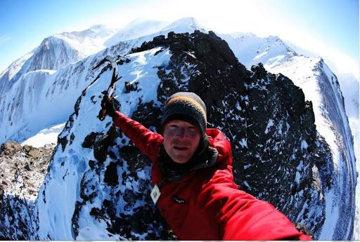 Шон Барч (Sean Burch) в Монголии на вершине ранее непокоренного безымянного пика