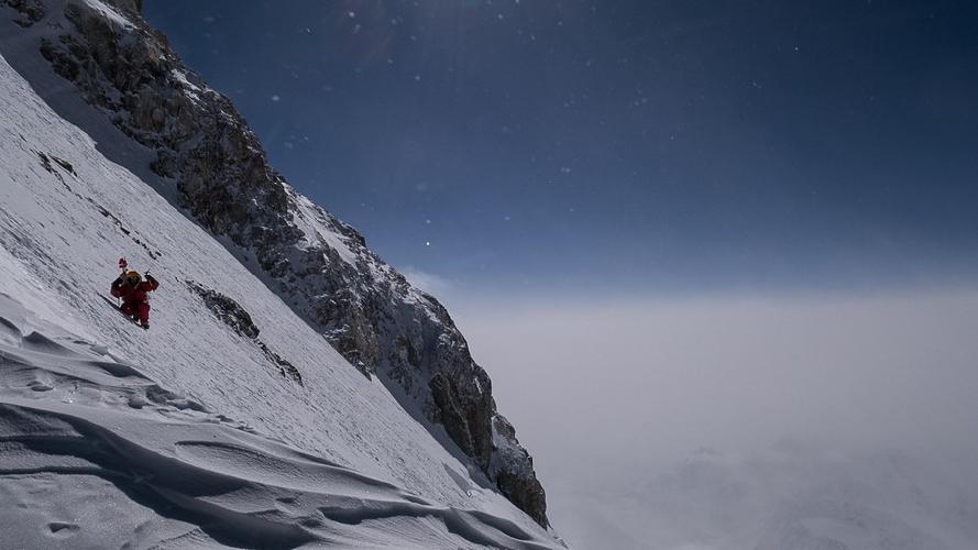 Томаш Мацкевич (Tomasz Mackiewicz) на высоте 7200 метров. Нангапарбат, январь 2015 года
