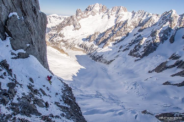 прохождение первого снежного участка на Гран Жорассс