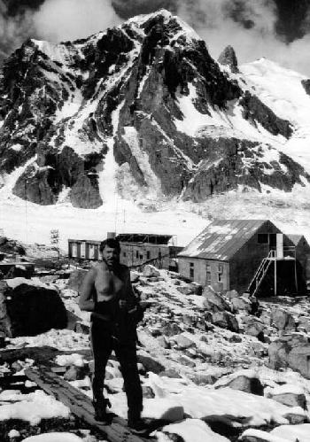 Вадим Ноздрюхин на леднике Абрамова