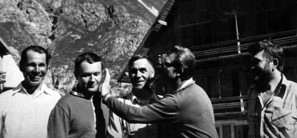 Альплагерь «Безенги» – И. Куркалов, Ю. Голуб, Ю. Саратов, И. Дудченко, последний справа А. Бабинин